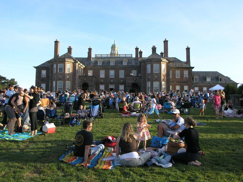Picnic shows a popular pick at Ipswich's Castle Hill