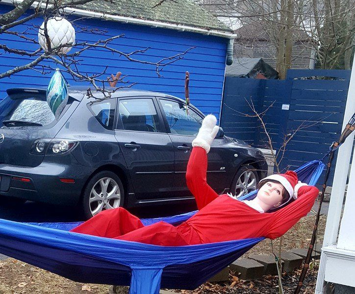 Life-size elf brings joy to passersby