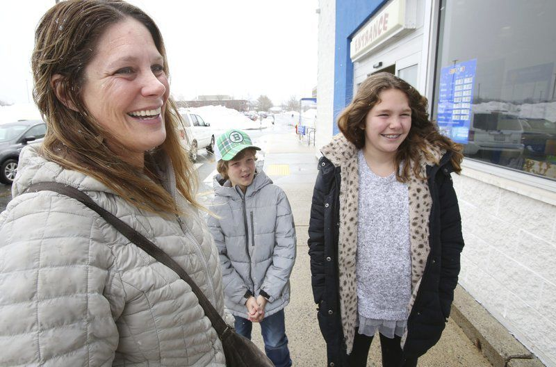 Shoppers lament closing of Toys R Us