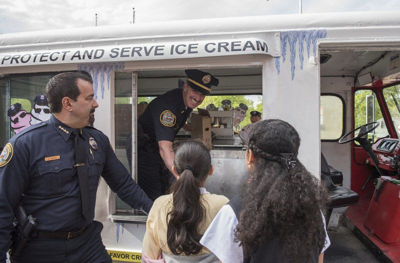 Lawrence police reach out to residents with free ice cream