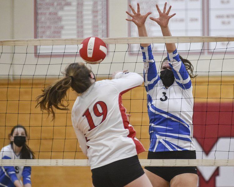 SERVE'S UP: Danvers volleyball welcomes Masconomet to NEC with four set triumph