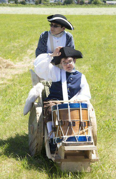 Colonists, Redcoat re-enactors clash in 'Battleof Newbury'
