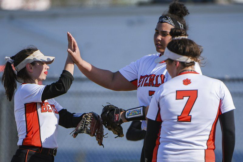 Fast Pitches high school softball column: Beverly's Book Club; Summer reading has helped Panthers focus this spring