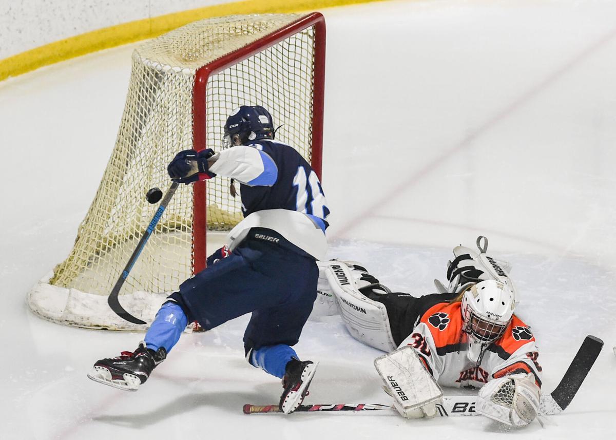 Beverly vs. Peabody girls varsity hockey game