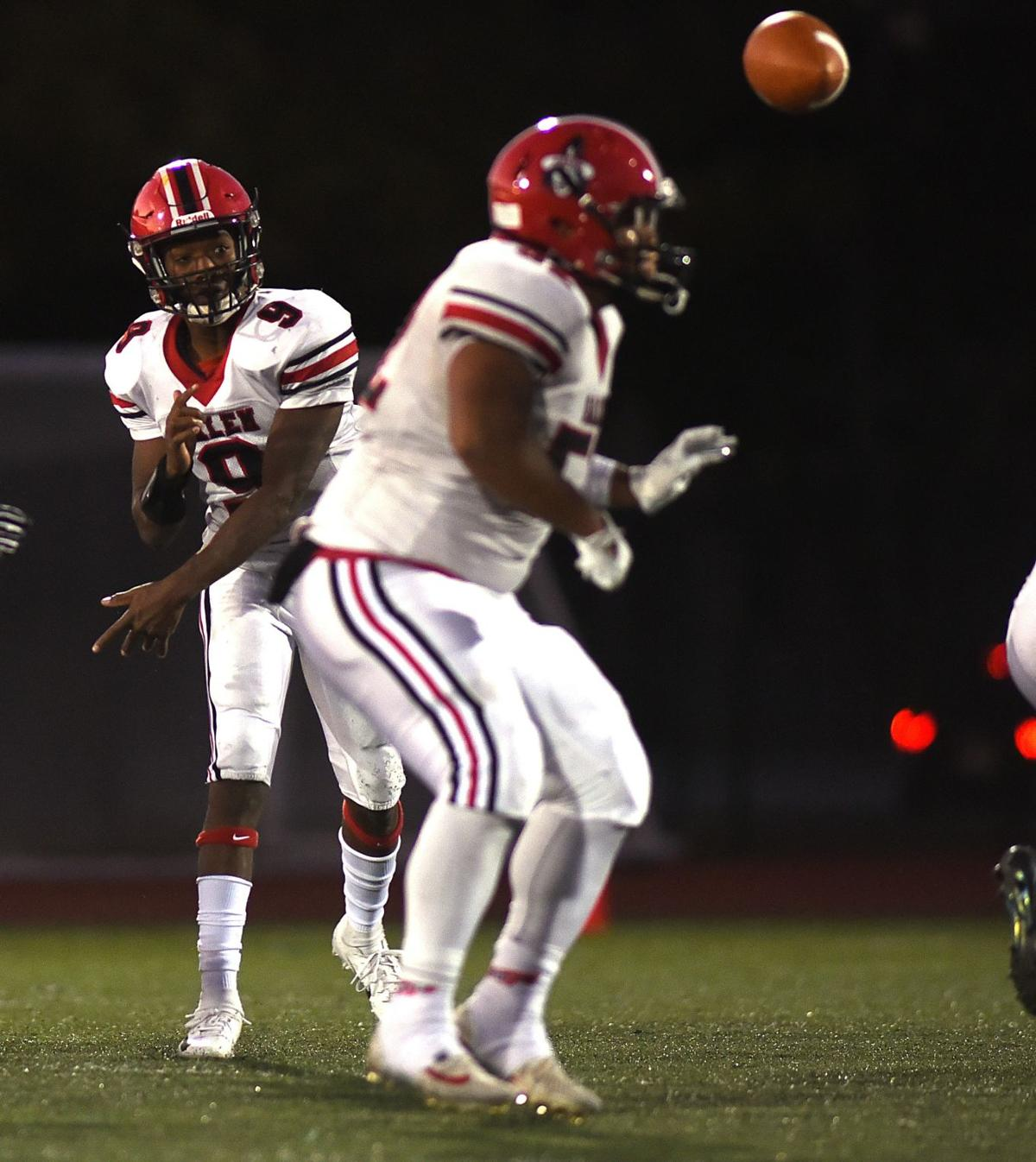 Thanksgiving football preview: Beverly at Salem