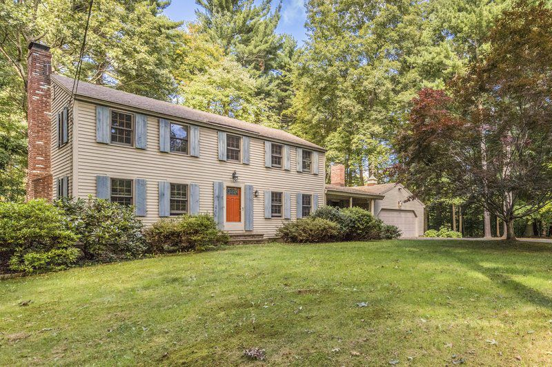 Hamilton colonial brings privacy, potential and charm