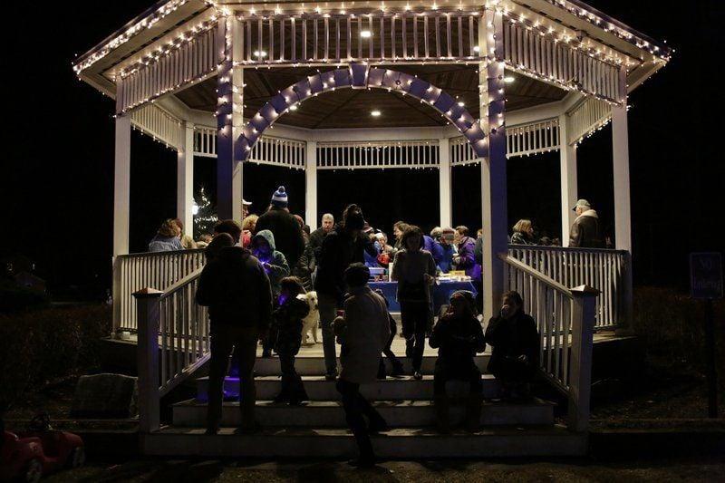 North Shore celebrates start of Hanukkah