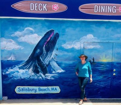 North Shore artist brings color to SurfSide restaurant