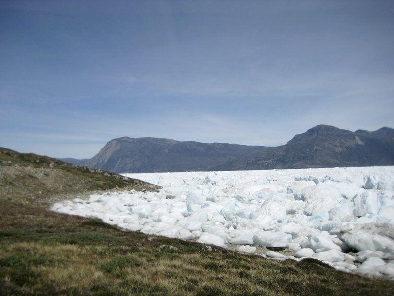 Massive ice melt hits Greenland's glaciers