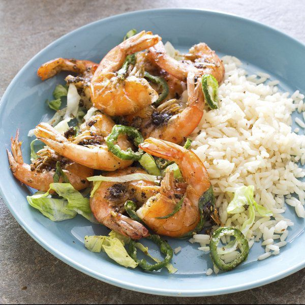Two takes on shrimp: crispy with spices and garlicky with pasta