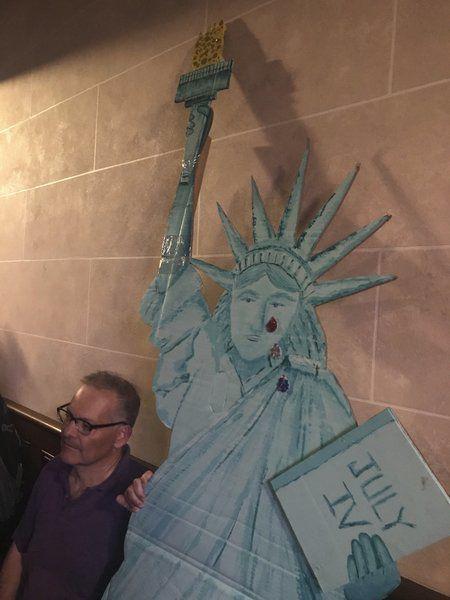 Hundreds attend Salem vigil protesting migrant detention camps