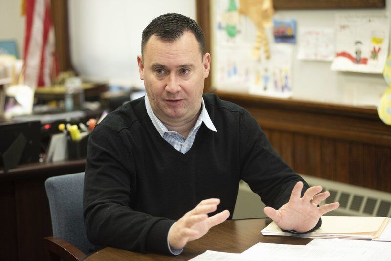 Bettencourt seeks 6th term as mayor