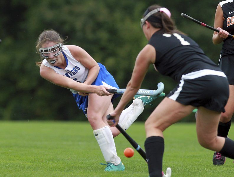 In a dominating performance, Danvers field hockey stuns Beverly