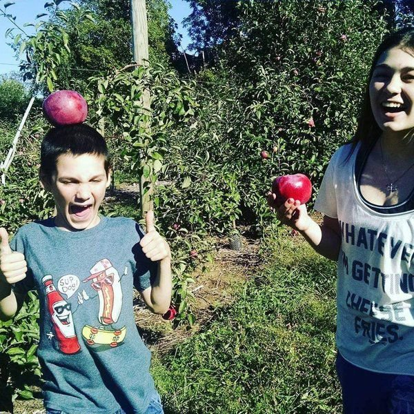 'More than what you think': Siblings share their stories of growing up with autism