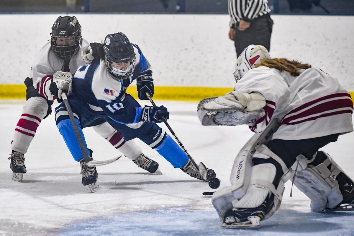 Peabody girls varsity hockey vs. Newburyport