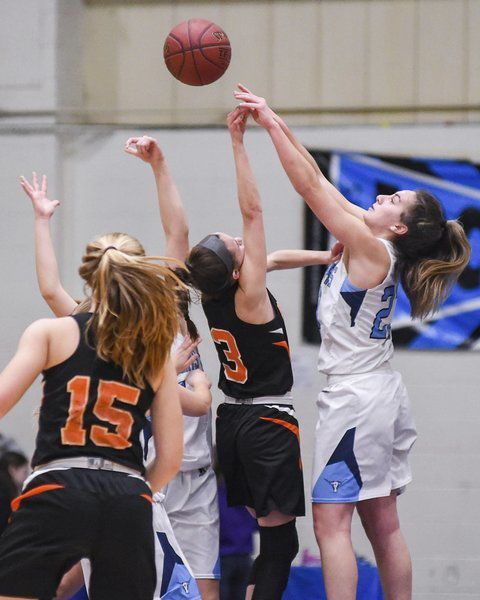 REVERSAL OF FORTUNES: Peabody's Bettencourt makes buzzer beater moments after Beverly went ahead