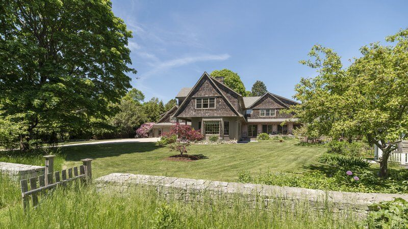 Seaside beauty complete with private access to Singing Beach