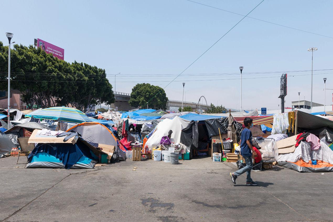 Tijuana-migrant-clinic-1_1350.jpg