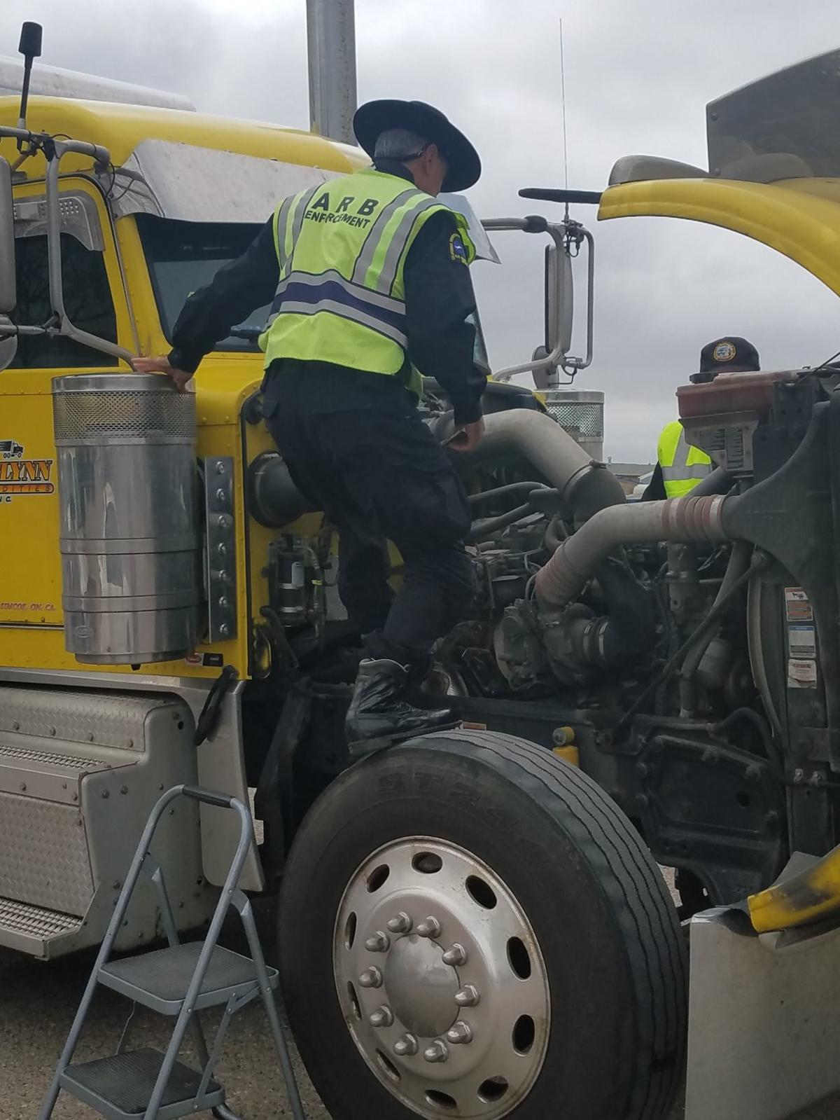 State Air Resources Board Chp Looking For Dirty Big Rigs In Santa Fuel Filter On Truck 052218 Inspection Carb