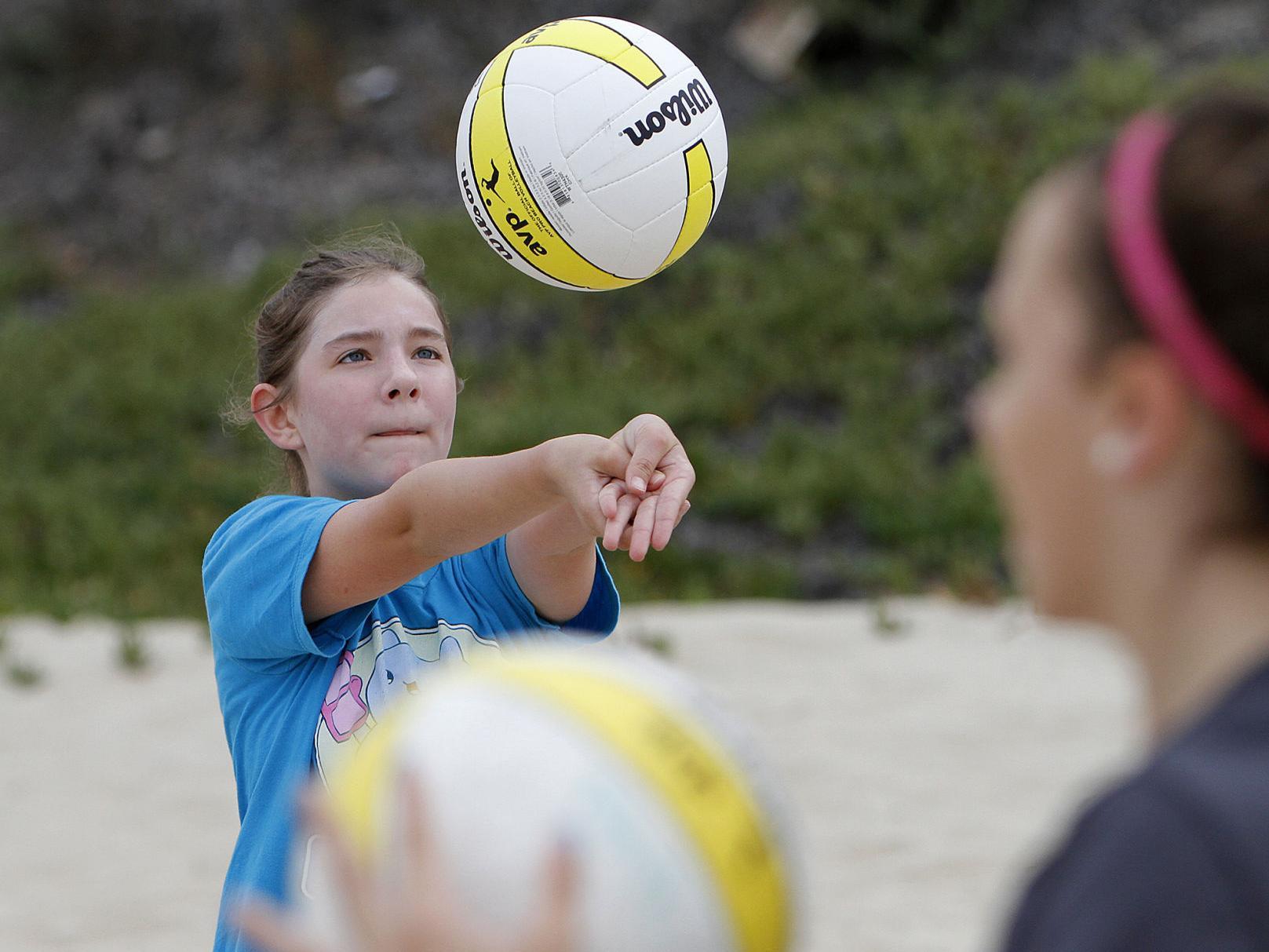 Camp Teaches Kids To Dig Volleyball Local News Santamariatimes Com