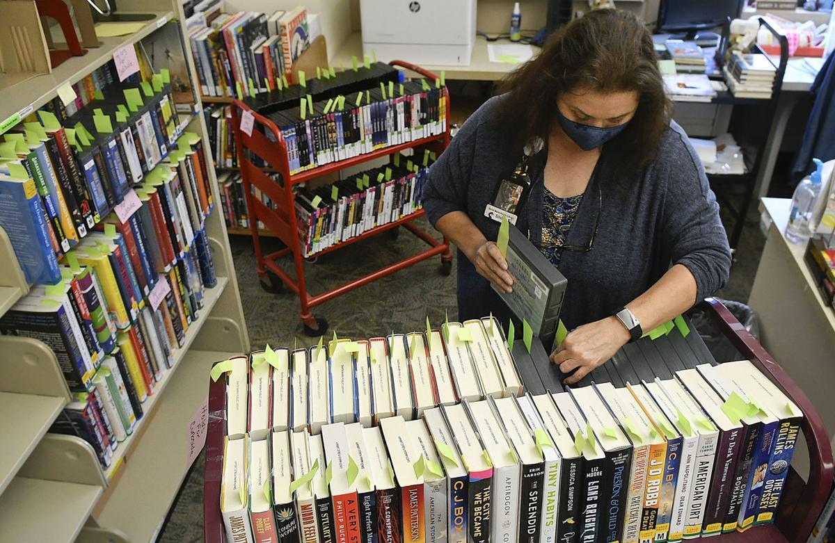 062420 SM Library curbside pickup 01.jpg