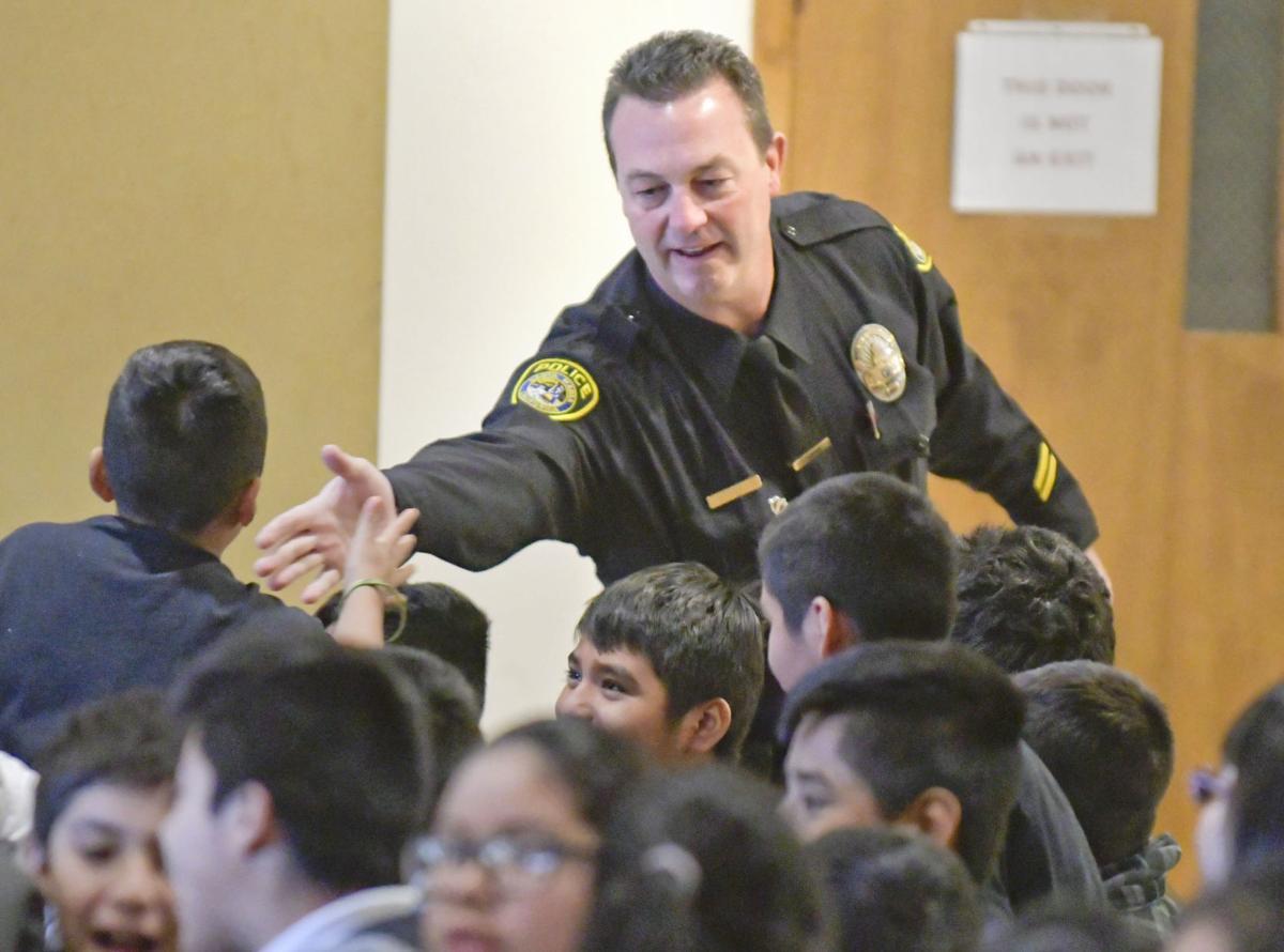 Santa Maria police D.A.R.E. officer