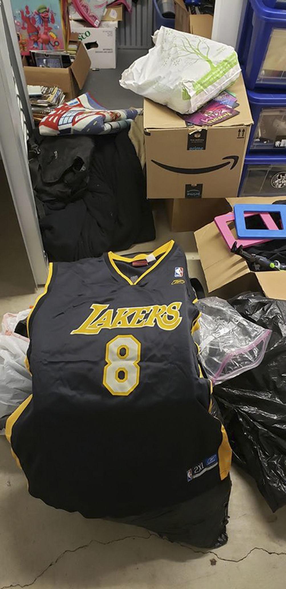 020620 Kobe jersey2.jpg