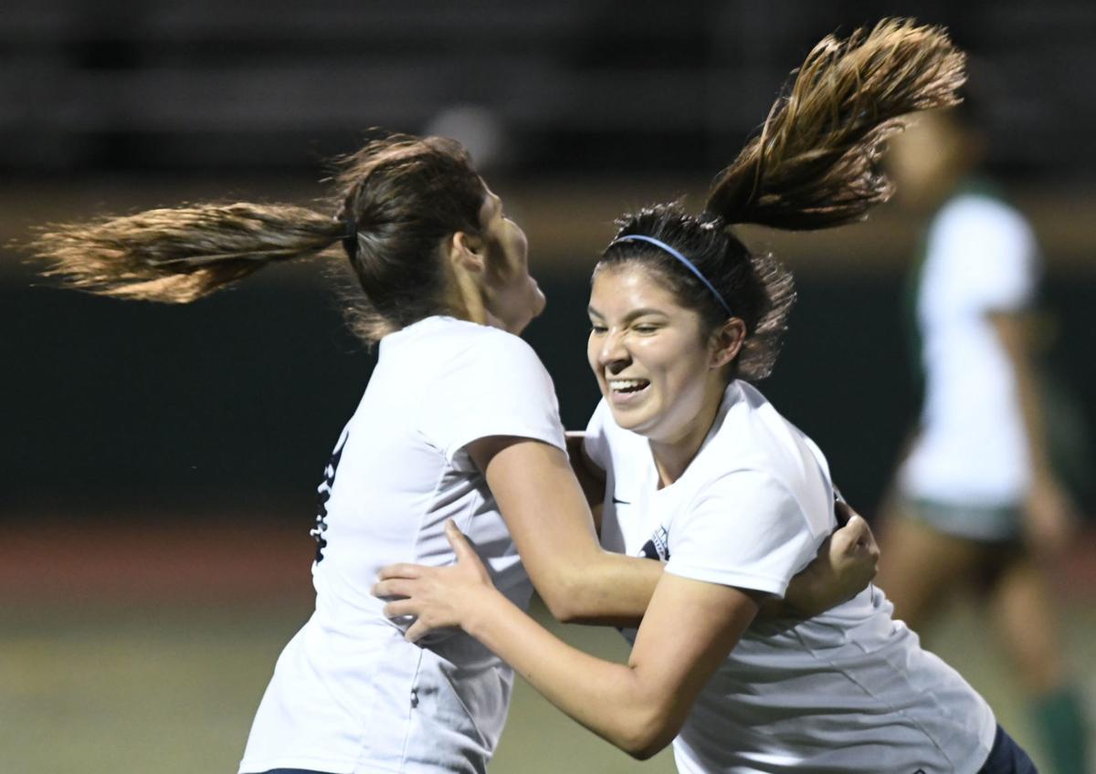 120419 OA SJ girls soccer 04.jpg