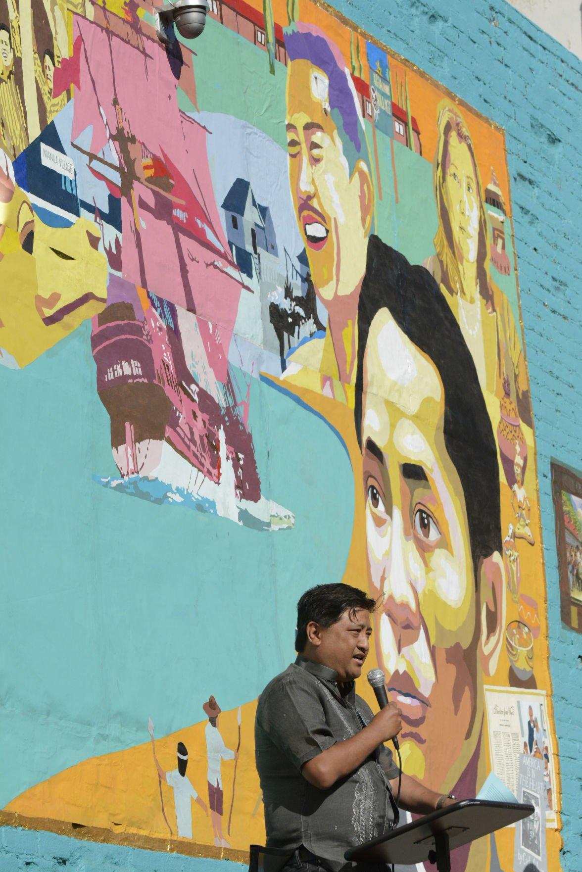 021618 Filipino-American mural 02.jpg