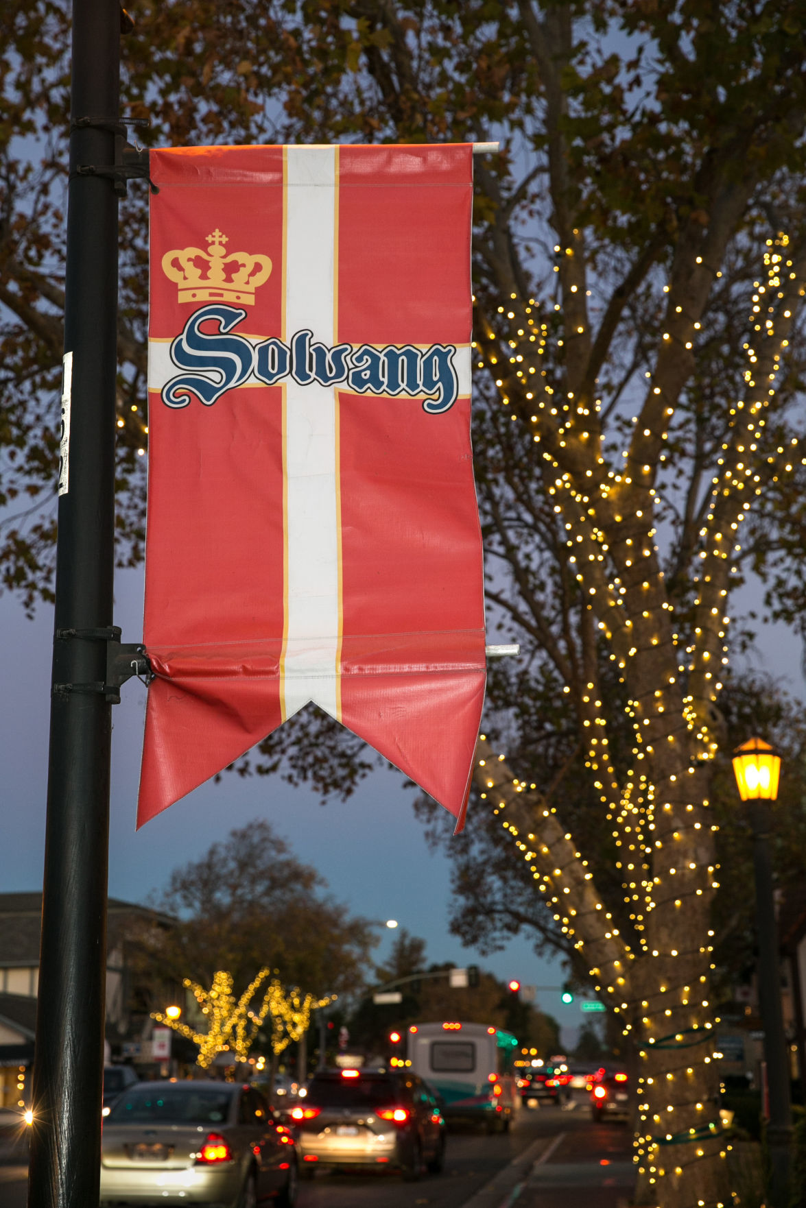 Solvang Ca Christmas.Solvang Named Best Christmas Town By Reader S Digest And