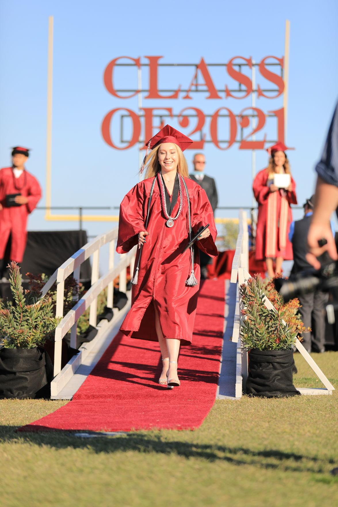 060421-smt-photos-nipomo-graduation-1
