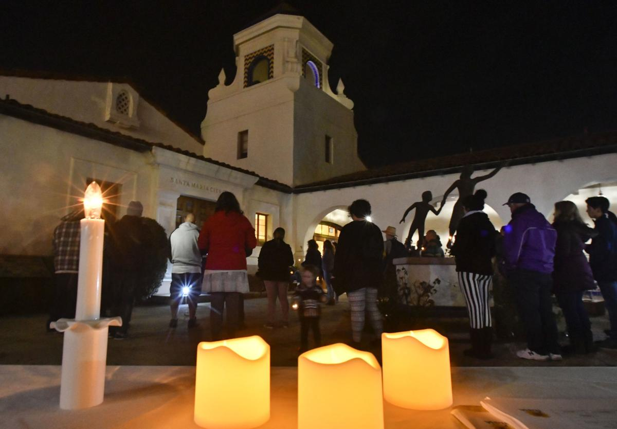 122118 Homeless vigil 01.jpg