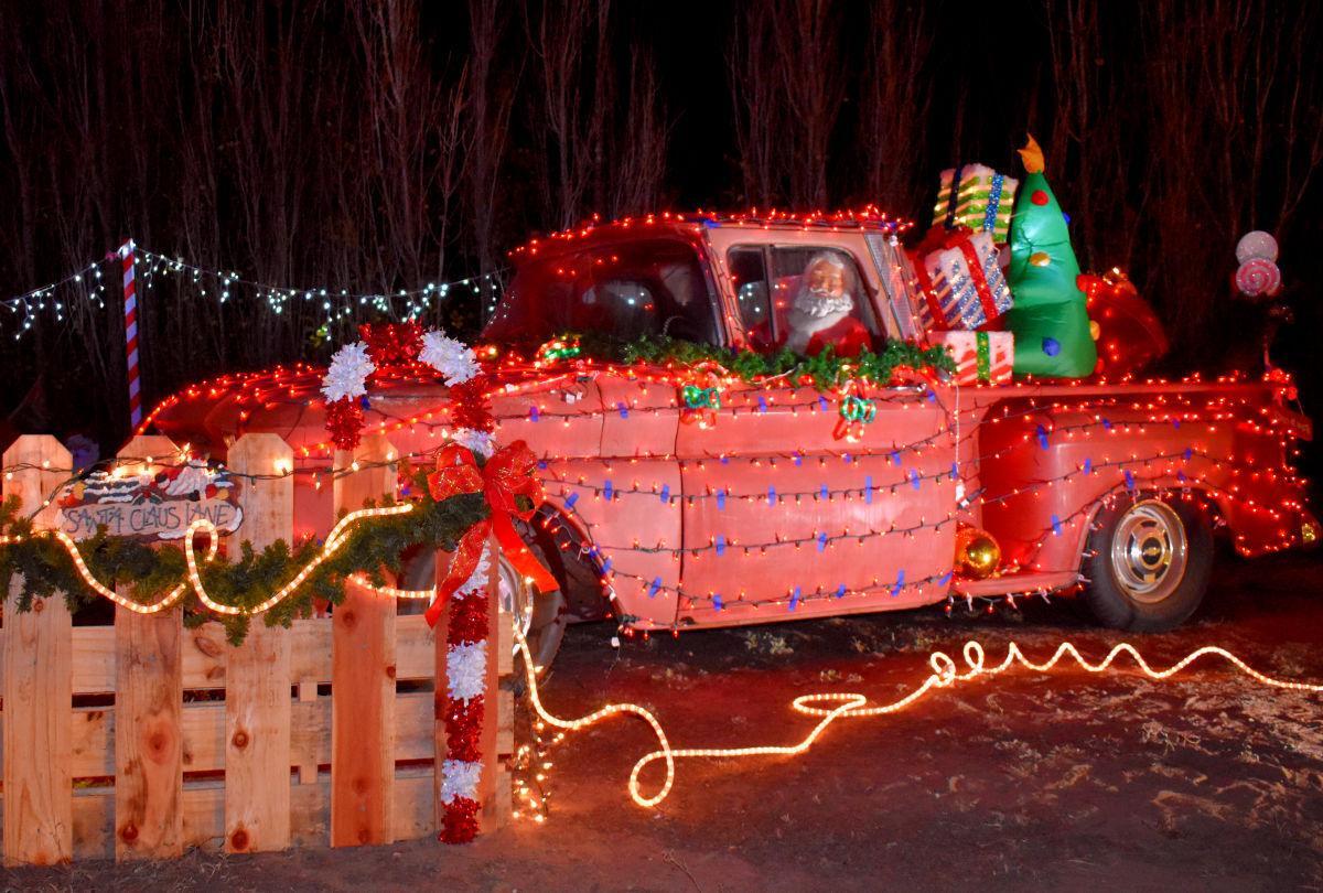 112820-smt-news-elks-christmas-003