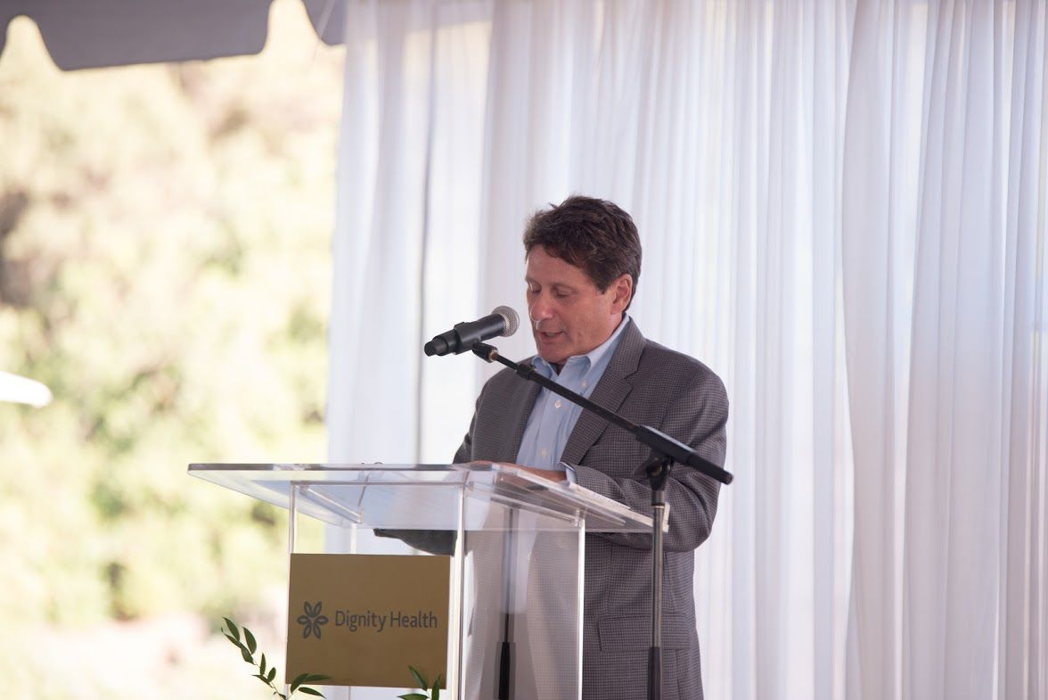 Dan Kaplan speaks at Marian's Vineyards and Vistas Annual Dinner
