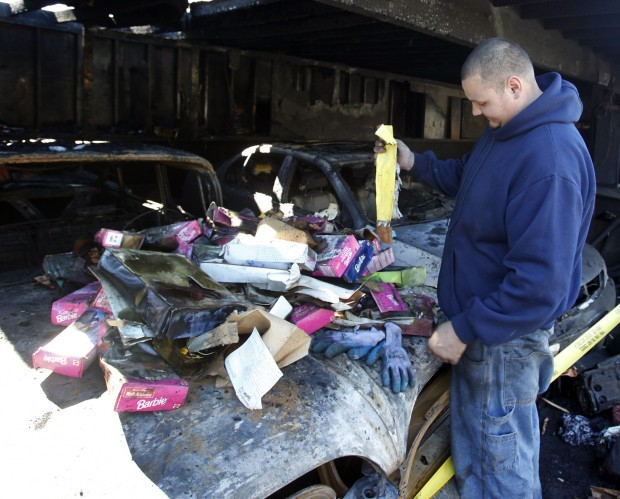 Santa maria garage fire claims vehicles more local news for Garage santamaria saint maximin