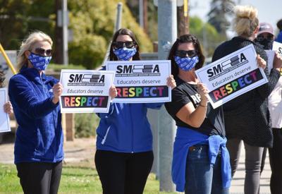 051221-smt-news-smeaa-teacher-rally-003