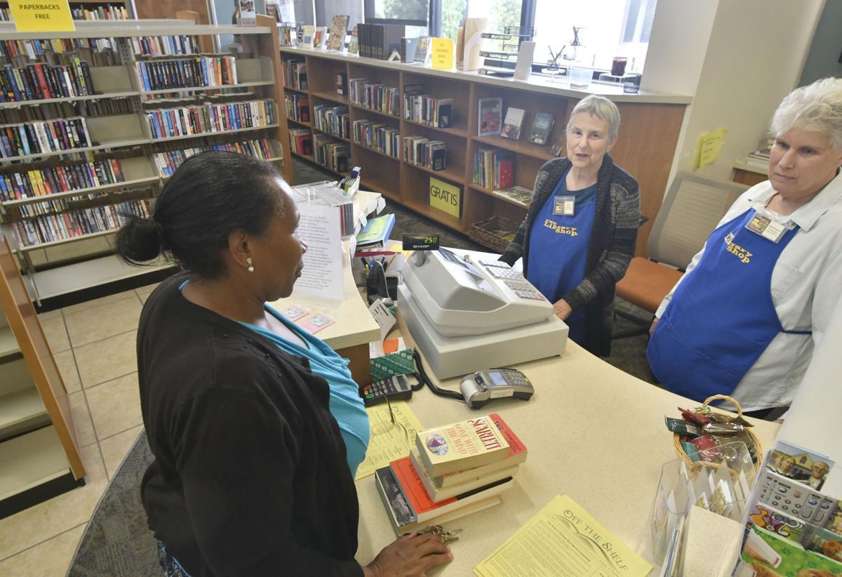 071118 SM Library store 01.jpg
