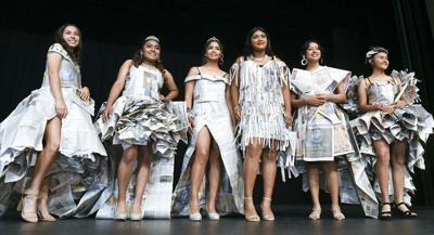 100319 PV newspaper fashion 01.jpg (Spanish)
