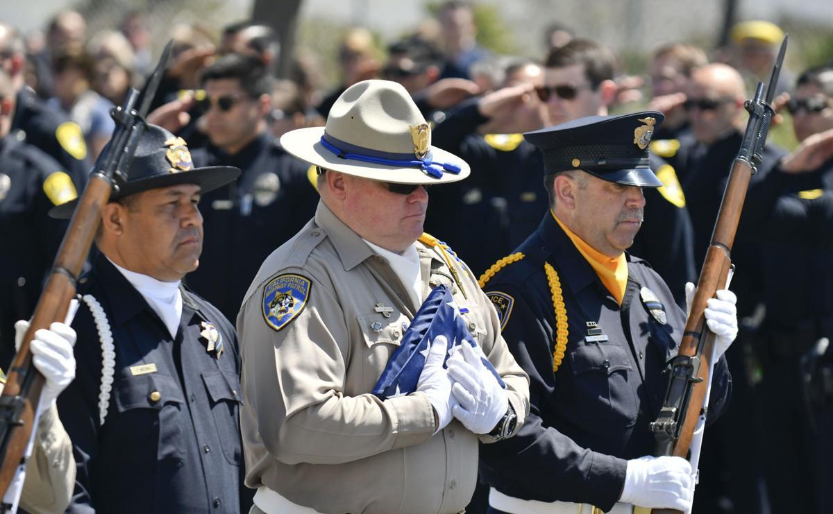 051618 Police memorial 01.jpg