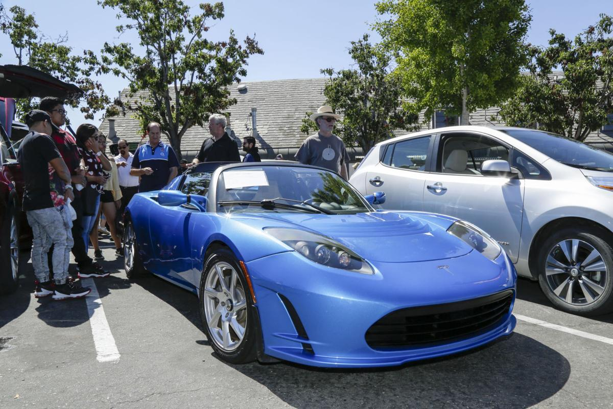 Electric Vehicle Show 8