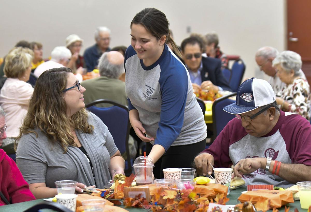 112217 Senior Thanksgiving 01.jpg