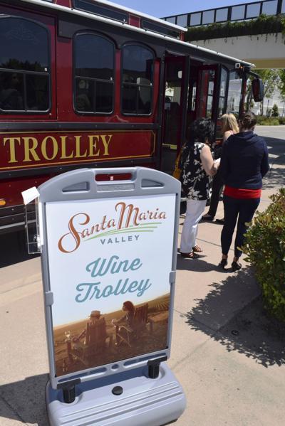 SM Wine Trolley 01 (copy)
