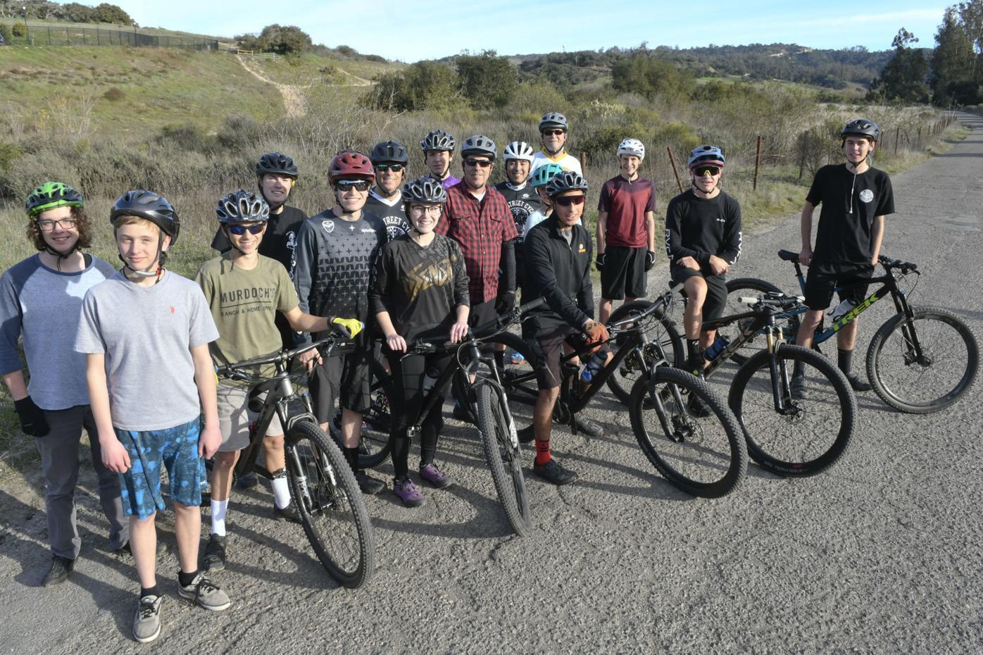 020420 SMV Mountain Bike team 02.jpg