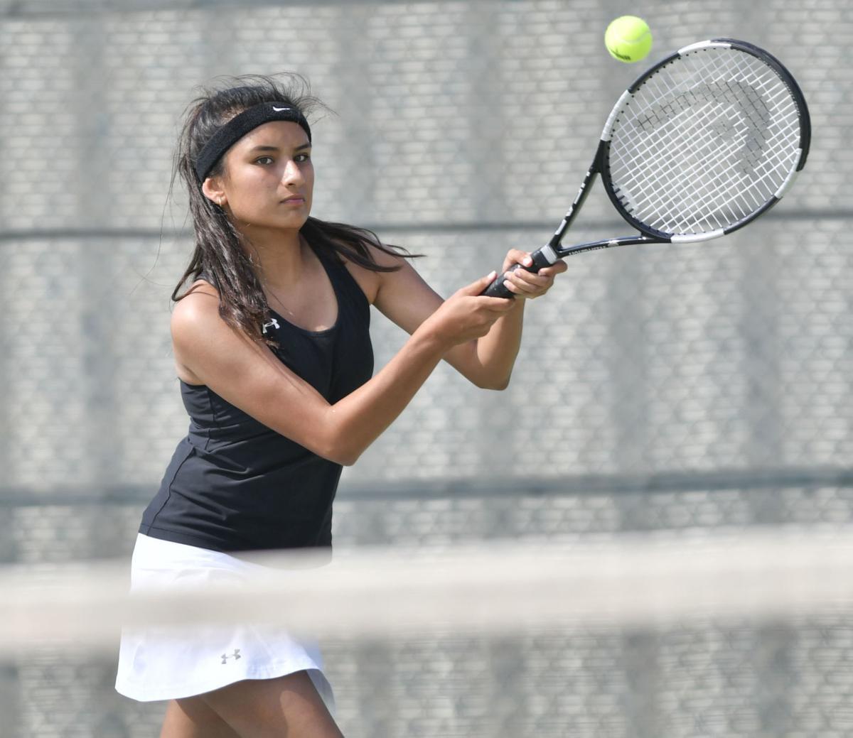 083018 Lompoc PV tennis 05.jpg