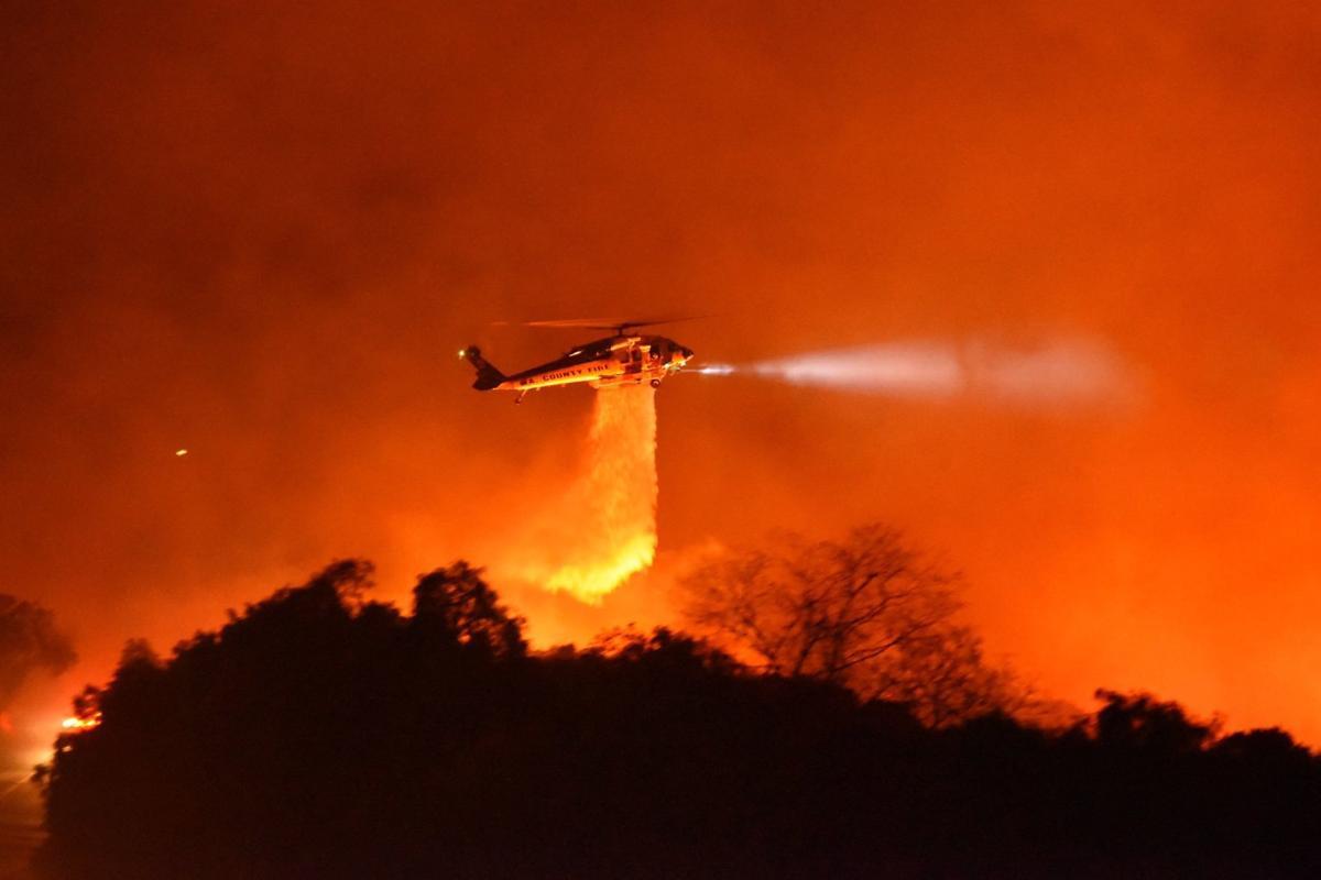 112519 Cave fire Fire Hawk.jpg