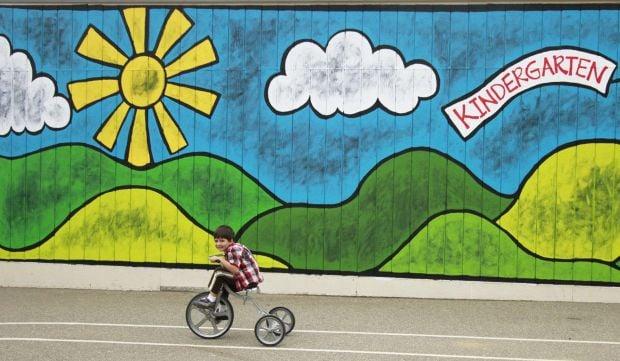 big mural brightens dana kindergarten wall local news