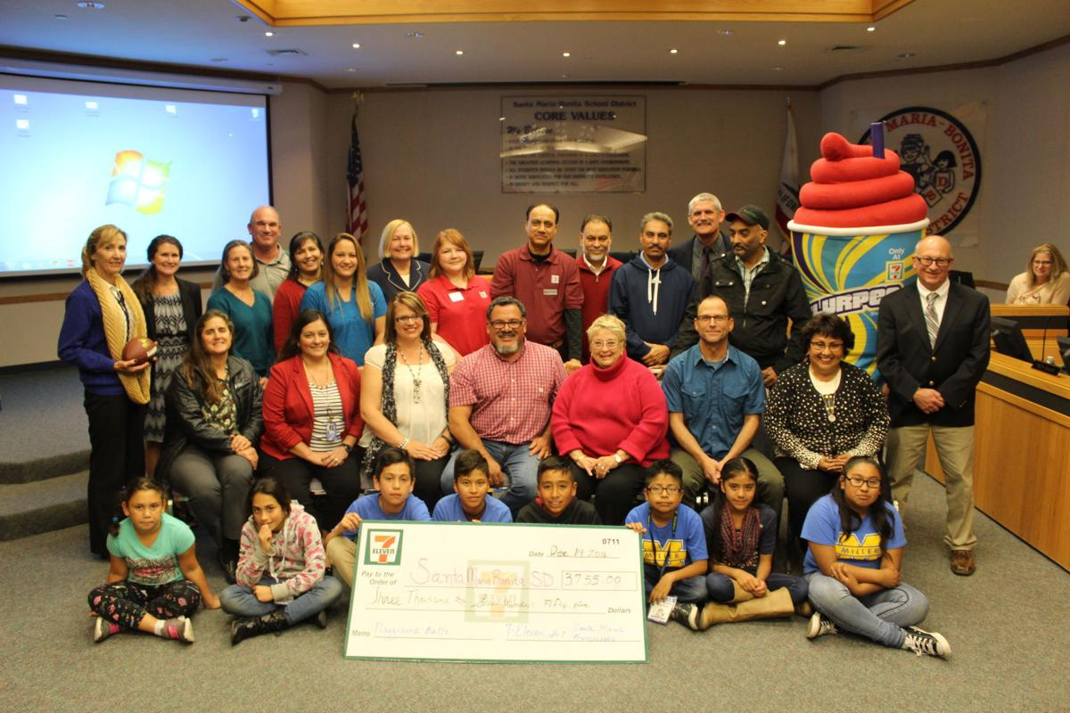Local 7 Eleven Franchisees Donate To Schools For Playground