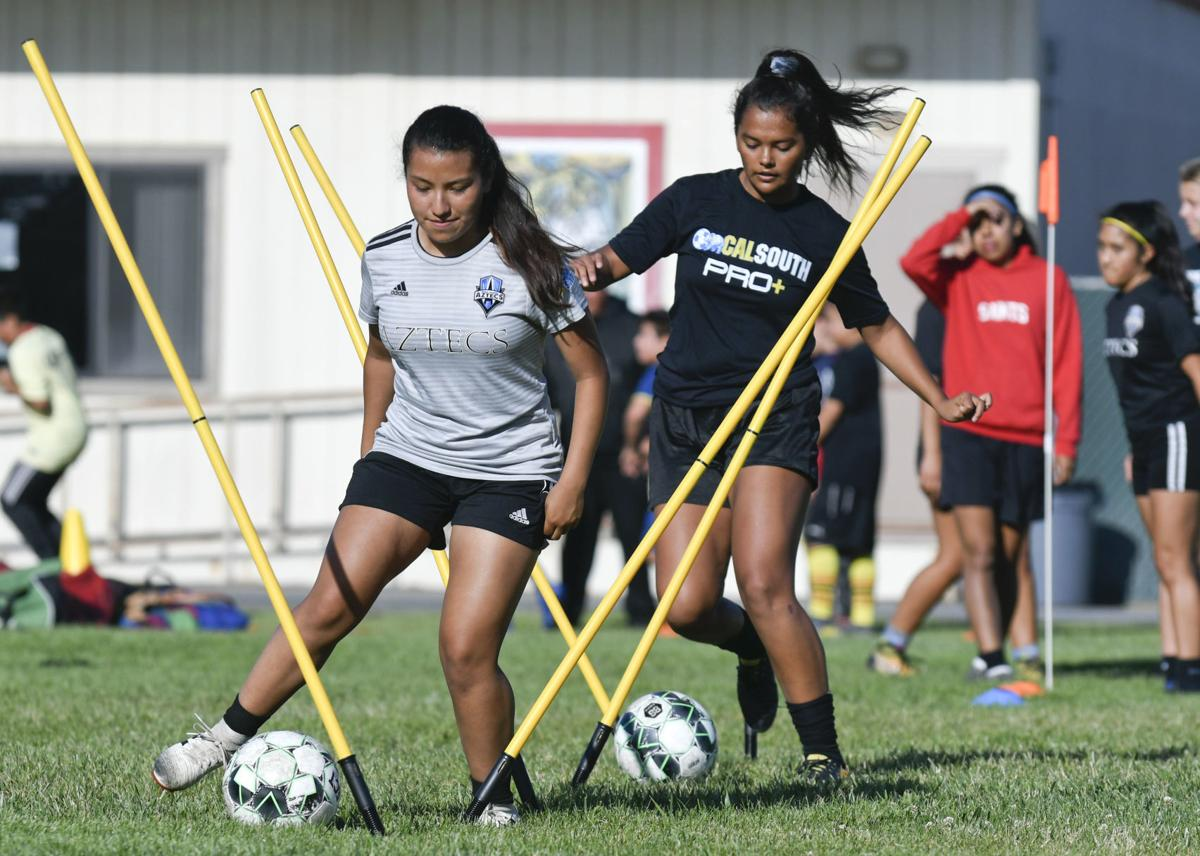070319 Aztecs U18 girls soccer 01.jpg