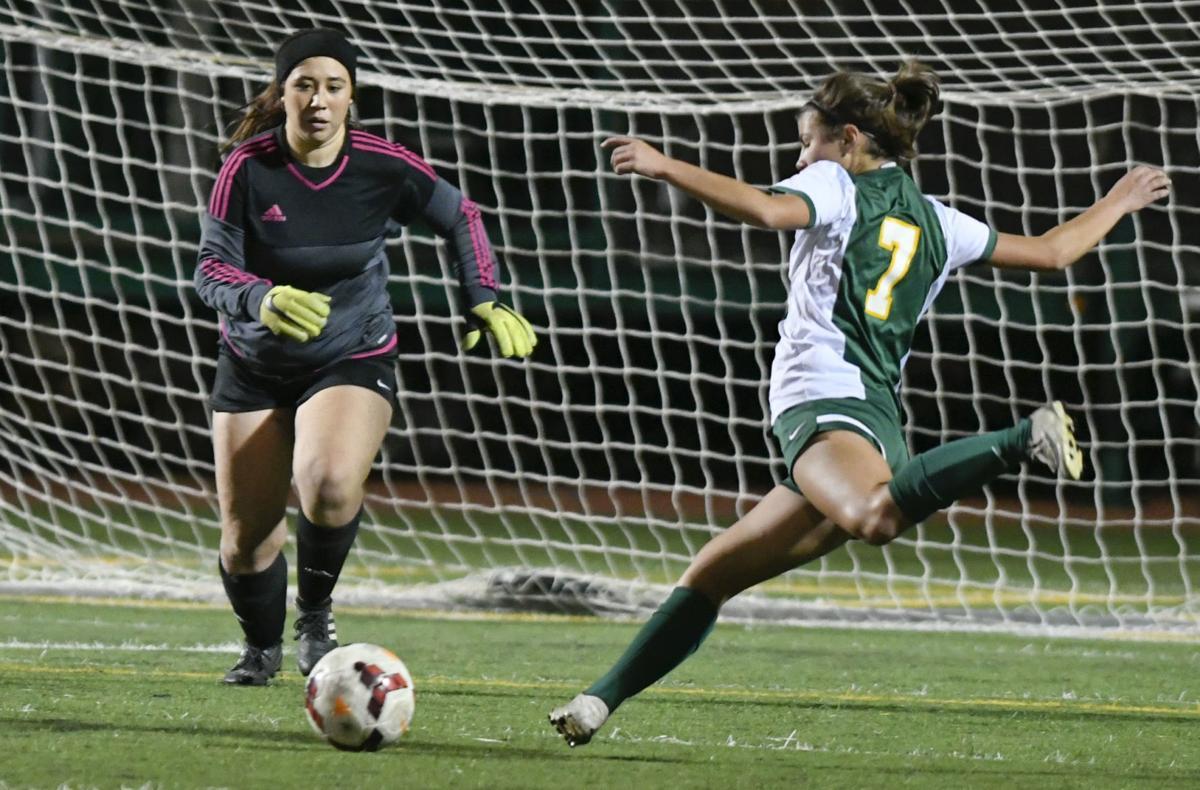 120419 OA SJ girls soccer 02.jpg