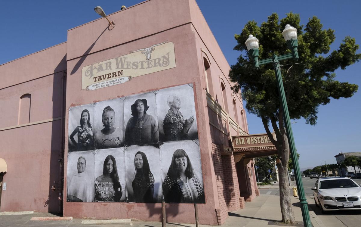 101417 Guadalupe mural 01.jpg